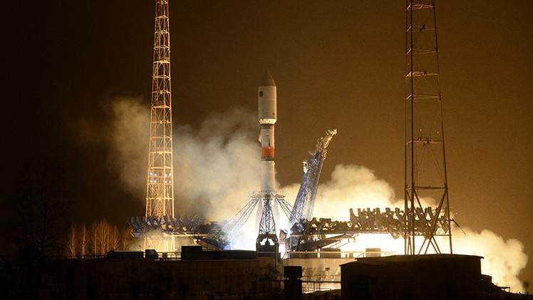La nave espacial Soyuz despega desde Baikonur con la nueva tripulación a bordo