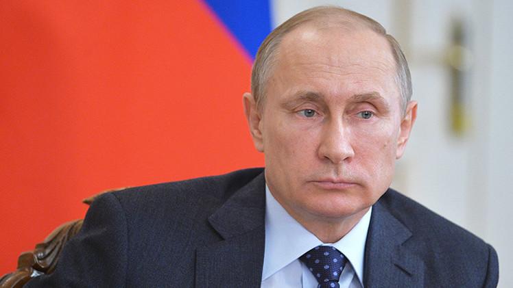 """Putin: """"Los países árabes deberían resolver sus problemas pacíficamente y sin injerencia externa"""""""