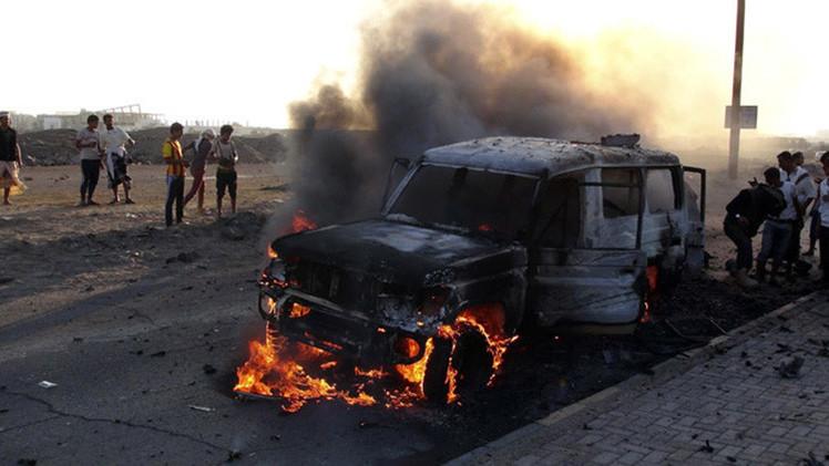 VIDEO: Rebeldes hutíes se apoderan de tanques y vehículos blindados saudíes