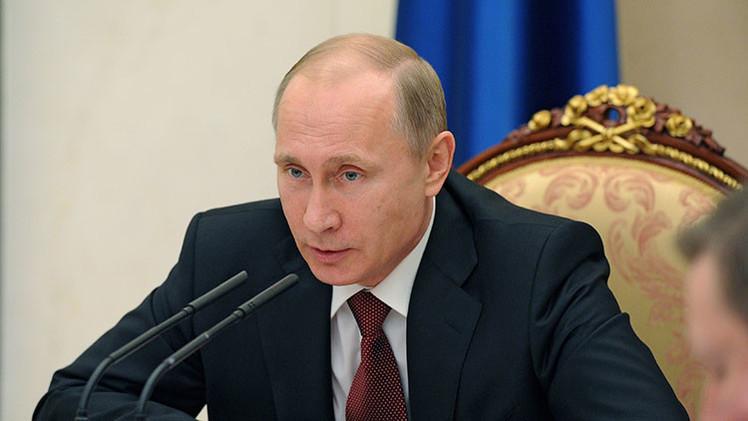 """Vocero de Putin: """"La prioridad del presidente no es la popularidad, sino el trabajo concreto"""""""