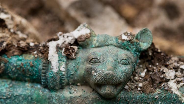 """Fotos: Descubren en Francia una tumba """"excepcional"""" de un príncipe celta"""