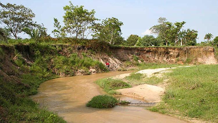 Arroyo Pesquero, en la zona arqueológica de la cultura Olmeca en México