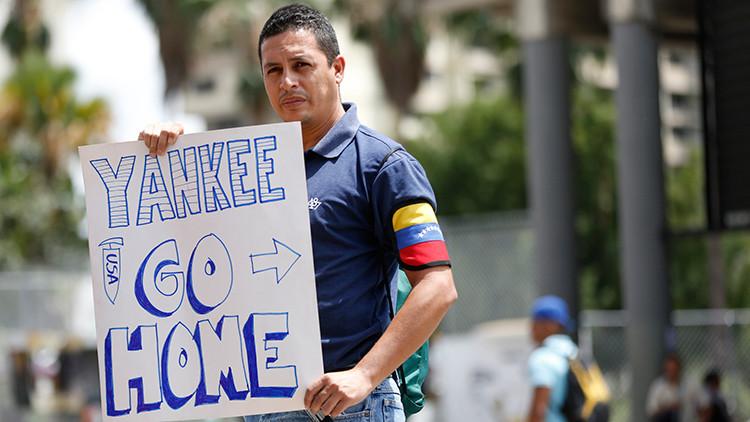 Miles de personas protestan en Venezuela contra la injerencia de EE.UU.