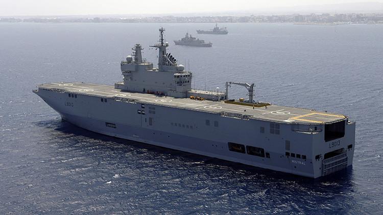 El buque de asalto anfibio Mistral