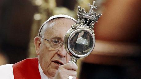 'Milagro' del papa: La sangre de San Genaro se licúa ante Francisco