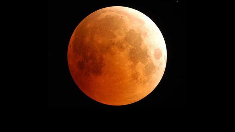 'Luna sangrante': El eclipse lunar más corto del siglo tendrá lugar el próximo sábado