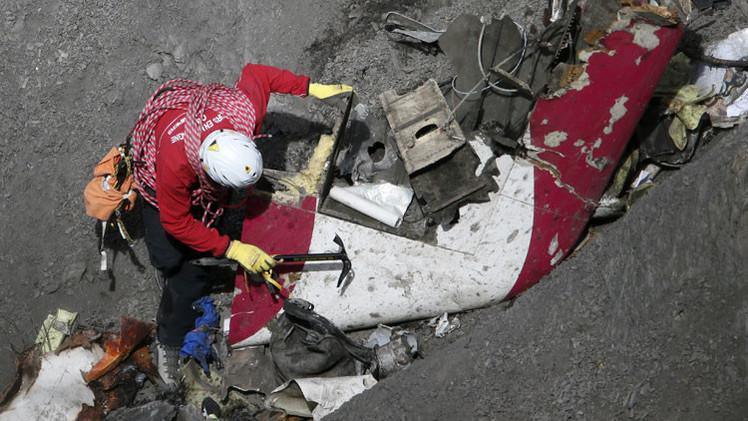 """Fiscalía de Dusseldorf: """"El copiloto del A320 buscó información sobre cómo suicidarse"""""""