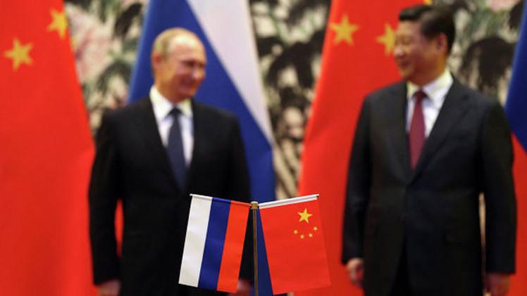 "'The Diplomat': ""EE.UU. comete el error del siglo al intentar aislar a Rusia"""