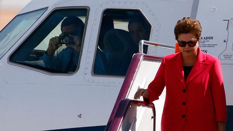 Rousseff restringirá los vuelos de funcionarios en aviones de la fuerza aérea