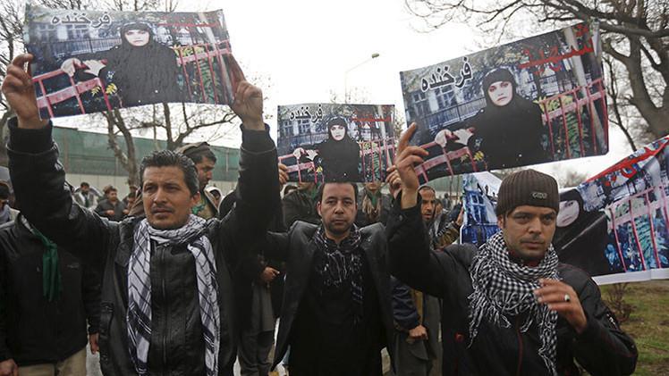 La mujer afgana asesinada por 'quemar un Corán' se convierte en símbolo