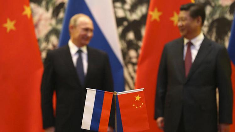 """""""Sólo Rusia y China pueden poner fin al terror de EE.UU."""""""