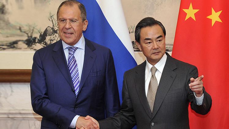 Infografía: Qué se espera de la visita del canciller chino a Rusia