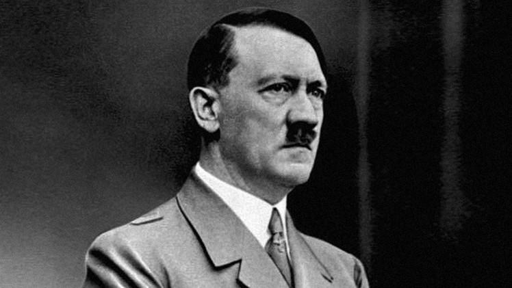 Un cura austríaco explica el celibato elogiando el ejemplo de Hitler