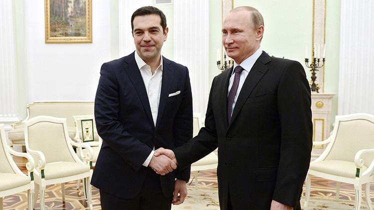 Tsipras y Putin orfecen una rueda de prensa