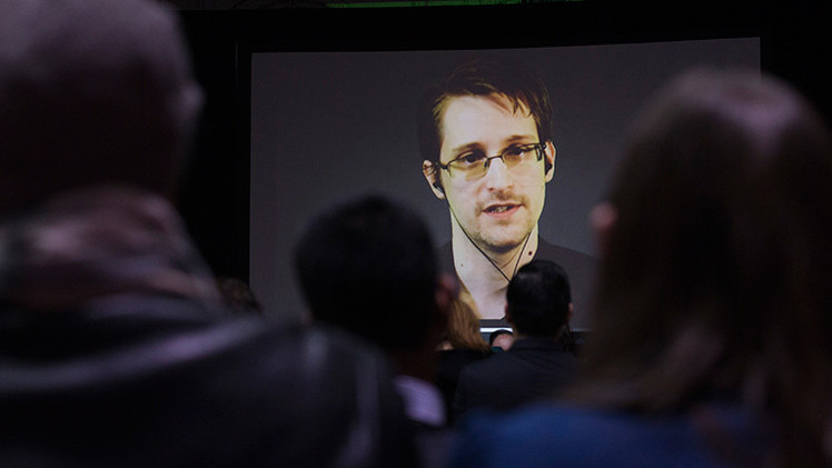 Snowden revela cómo crear una contraseña segura