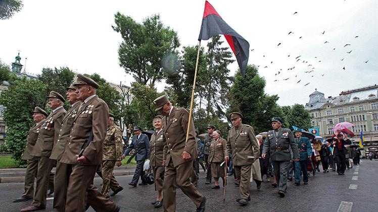 """""""La glorificación del fascismo por el parlamento acelera la quiebra de Ucrania"""""""