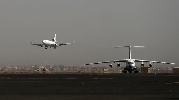 Yemen: La coalición árabe impide la entrada de dos aviones rusos