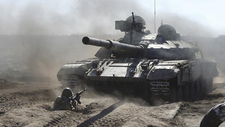 Donetsk: Militares ucranianos preparan provocaciones uniformados como rusos