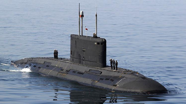 Irán presentará un nuevo submarino y un destructor de fabricación propia