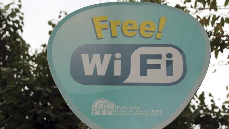 ¿Cómo se las apañan los 'hackers' para robarnos datos a través de Wi-Fi públicas?