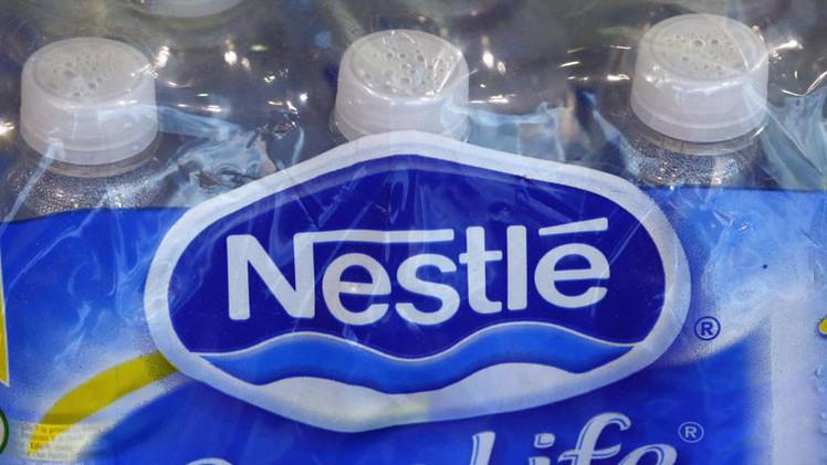 EE.UU.: Nestlé bombea agua desde bosque nacional con un permiso caducado hace 25 años