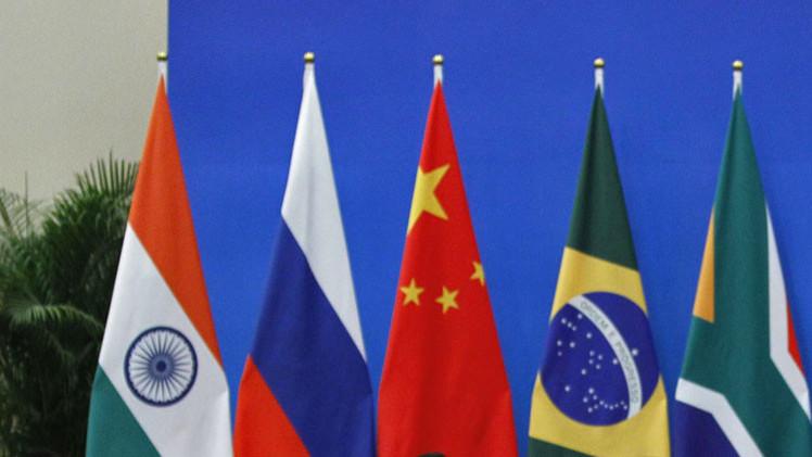 """Expertos: Los BRICS van a acabar con el actual """"sistema económico de casino"""""""