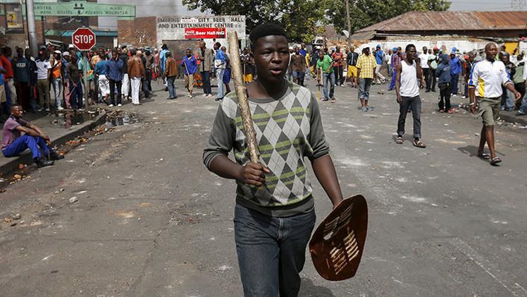 Sudáfrica: Estalla una nueva ola de violencia xenófoba en el país que venció el 'apartheid' (Video)