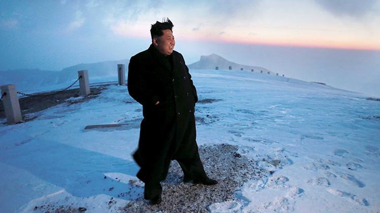 """Kim Jong-un: """"Las armas nucleares no pueden competir con el espíritu revolucionario"""""""