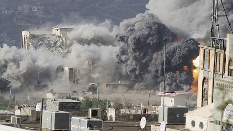Yemen: Cazas saudíes atacan el palacio presidencial en Taiz