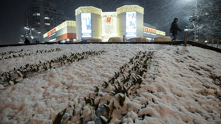 Fotos: Un nevazón de abril toma por sorpresa la ciudad de Moscú