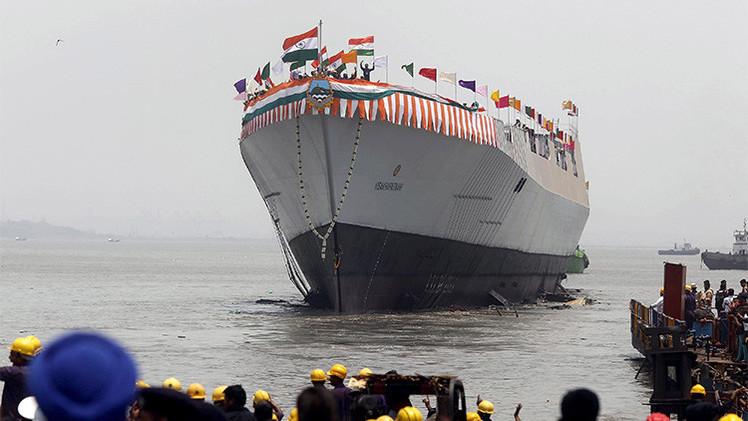 La India planta cara a China por mar con el destructor furtivo más armado del mundo