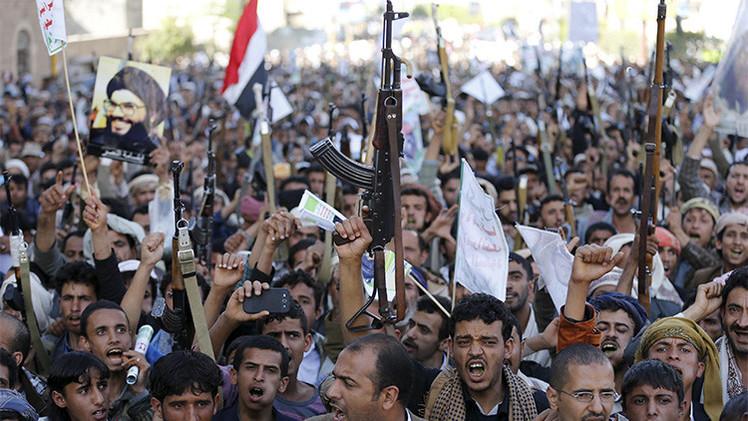 Los hutíes amenazan con atacar Arabia Saudita si no cesa el bombardeo de Yemen