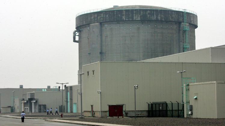 China construye su primera planta nuclear de nueva generación y seguridad máxima