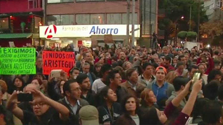"""Periodistas mexicanos: """"Políticos intentan manipular hasta las redes sociales"""""""