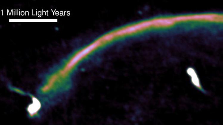Científicos: Tsunamis cósmicos pueden resucitar galaxias muertas
