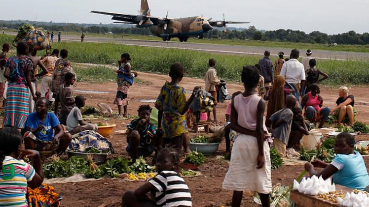 """""""Violación y sodomía"""": La ONU detalla el abuso de soldados franceses contra niños africanos"""