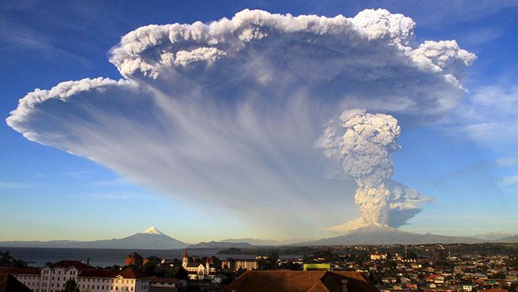 VIDEO, FOTOS: El volcán chileno Cabulco erupciona por tercera vez