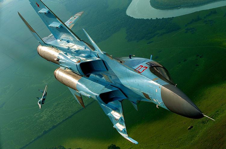 'Patito de ataque' Su-34: la Fuerza Aérea de Rusia recibe bombarderos únicos