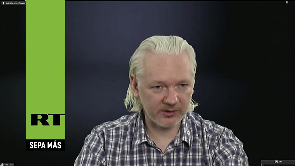 """Embajadora de Bolivia desafía a Assange: """"¿Pidió disculpas por el incidente del avión de Morales?"""""""
