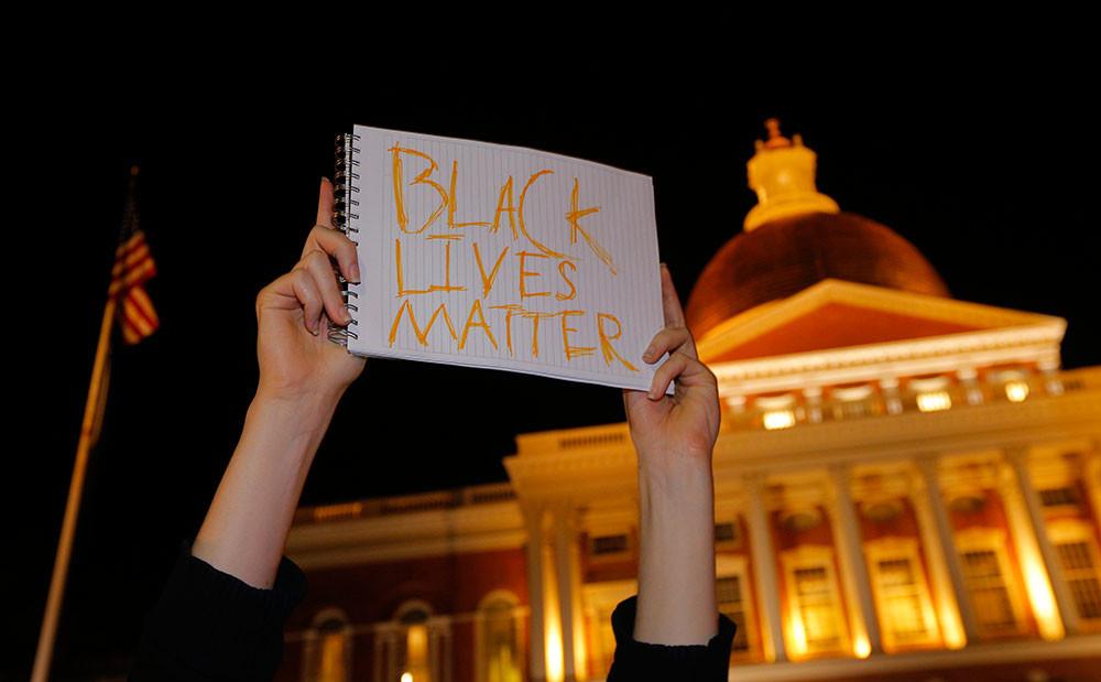 Protesta cerca de la Casa Blanca por el asesinato del afroamericano Michael Brown