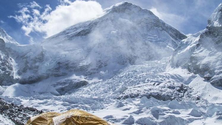 Geólogos: El monte Everest creció tras el terremoto en Nepal
