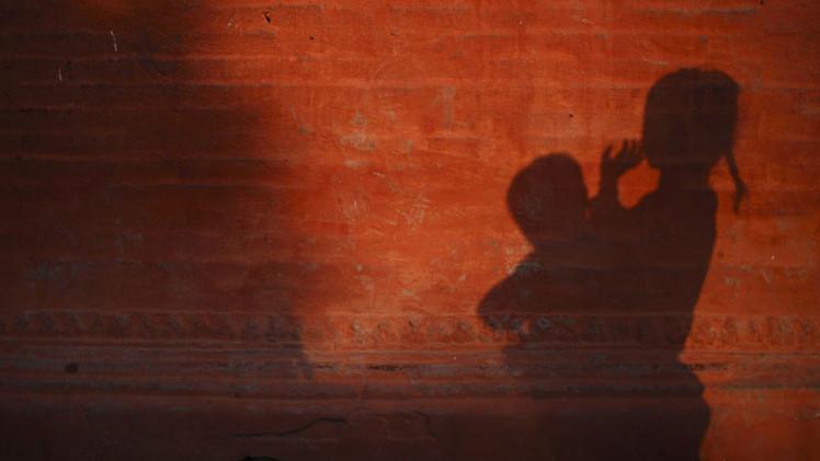 Autoridades de Paraguay niegan aborto a una niña de 10 años violada por padrastro