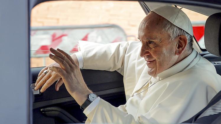 """Papa Francisco: """"Estoy un poco mayor y enfermo. Recen por mí"""""""