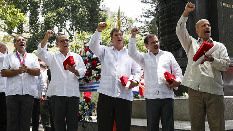 'Los Cinco' cubanos reciben las llaves de Caracas