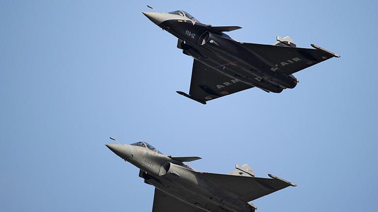 Francia y la India discuten los detalles del acuerdo de compra de cazas Rafale