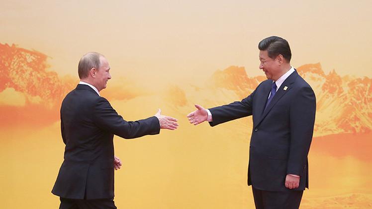 Rusia y China allanan la 'Ruta de la Seda' con un acuerdo de cooperación económica