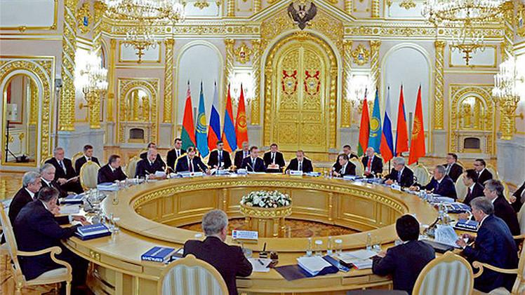 La UEE prevé firmar un acuerdo de cooperación económico-comercial con China
