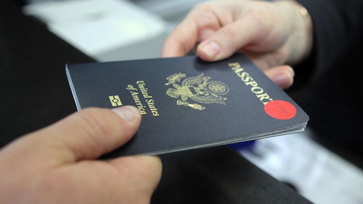 Un número récord de estadounidenses renuncia a su ciudadanía
