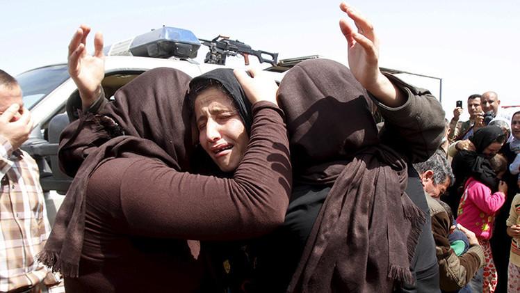 """""""El Estado Islámico vende niñas iraquíes y sirias desnudas en bazares de esclavos"""""""