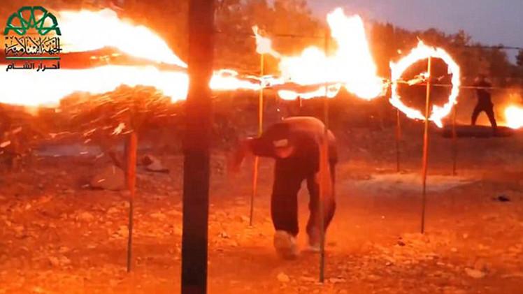 A lo Hollywood: Fotos de yihadistas en un entrenamiento 'cinematográfico'